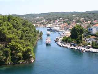 Day cruise to Paxos and Antipaxos from Corfu